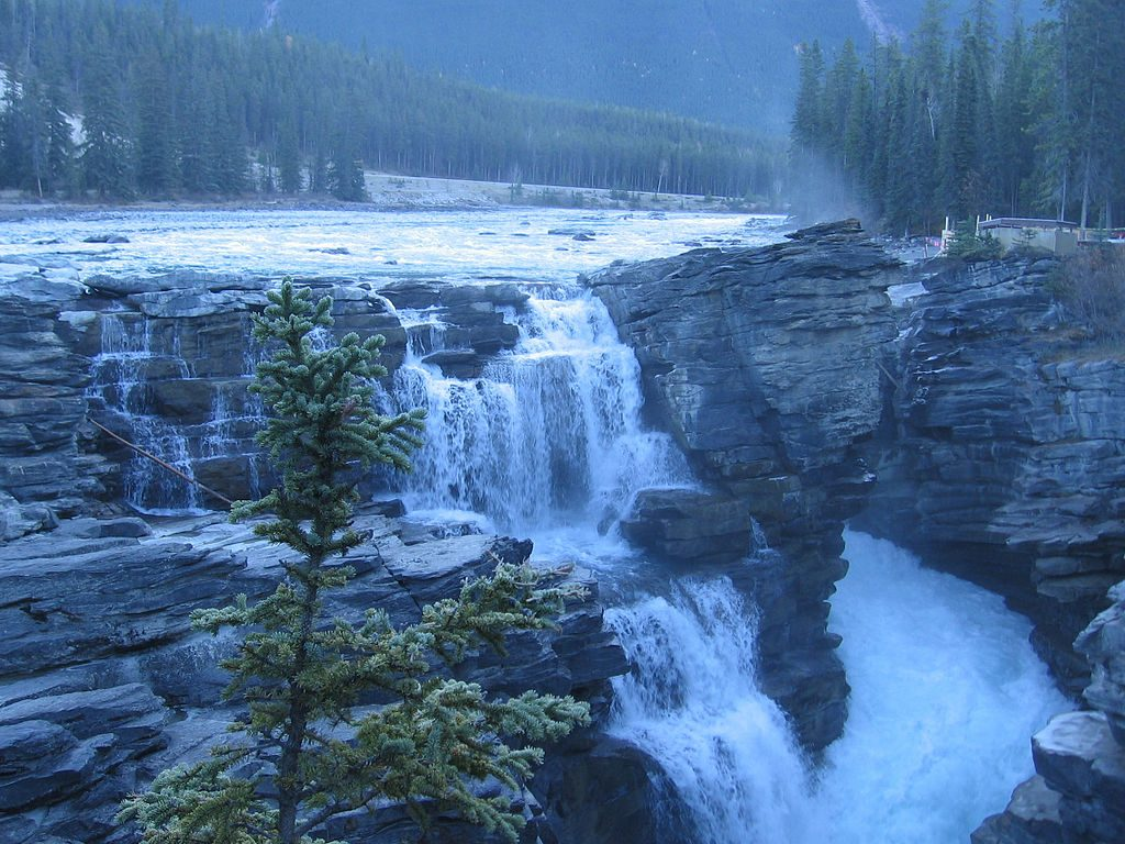 1024px-Athabasca_Falls_Fall_2006
