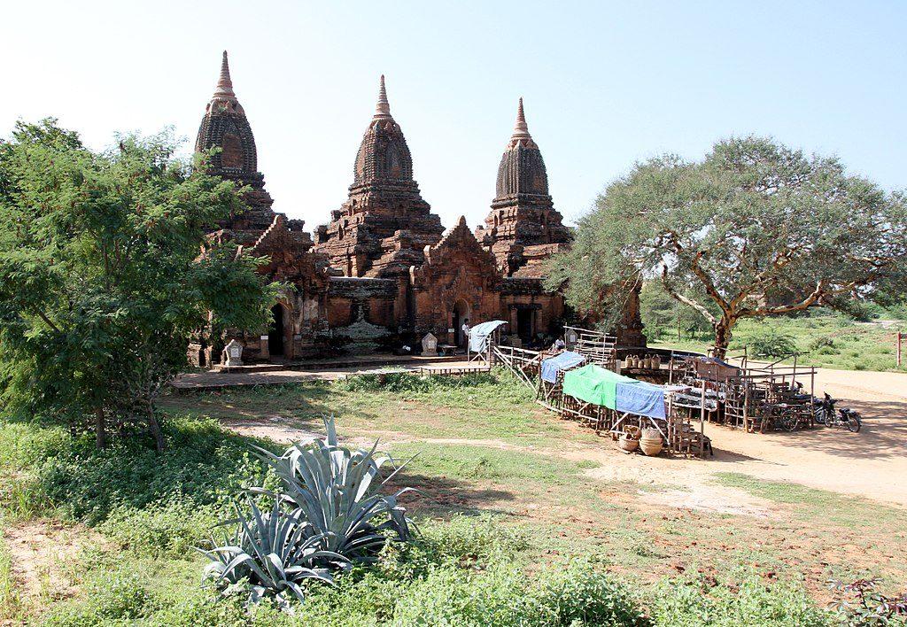 1024px-Bagan-Payathonzu-02-gje