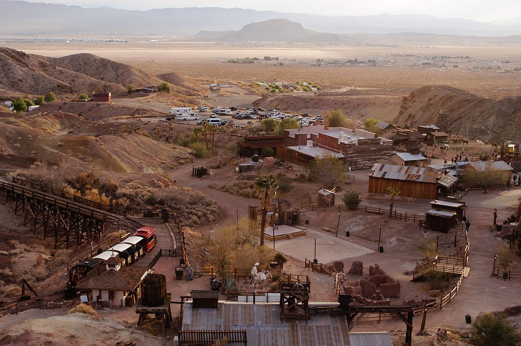1024px-Calico_Ghost_Town_(8346927439)