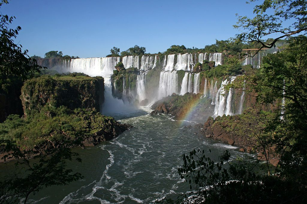 1024px-Iguazu_National_Park_Falls