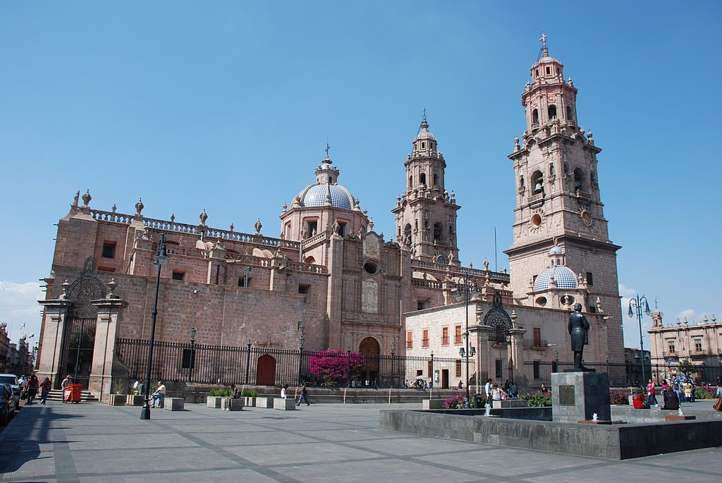1024px-Morelia_Cathedral_DSC_0524_AD