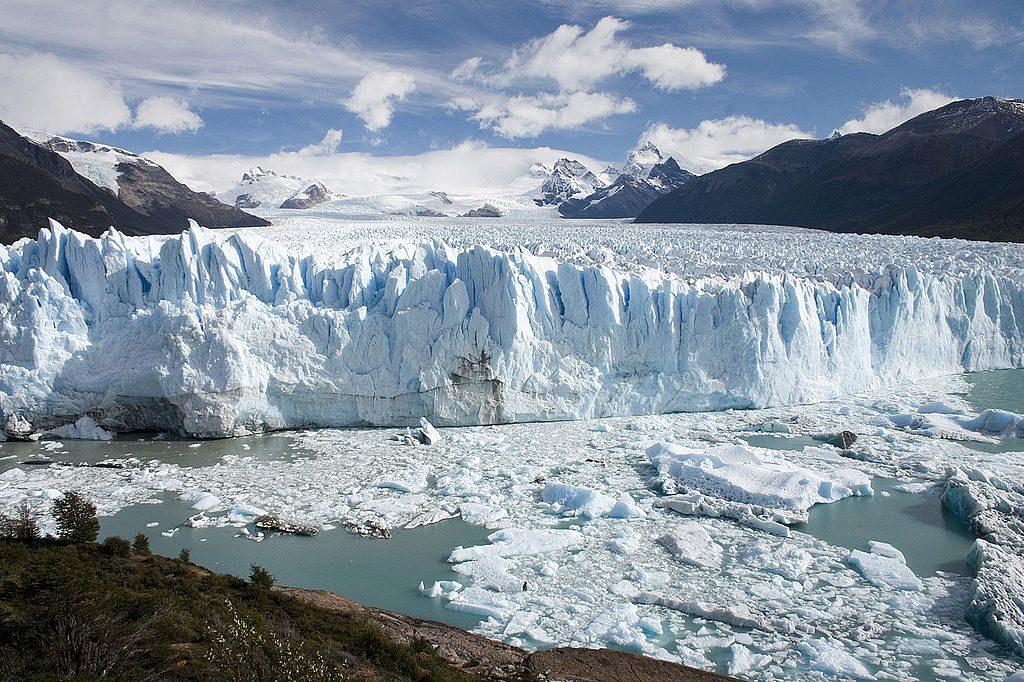 1024px-Perito_Moreno_Glacier_Patagonia_Argentina_Luca_Galuzzi_2005
