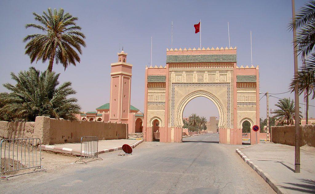 1024px-Rissani_City_Gate_2011
