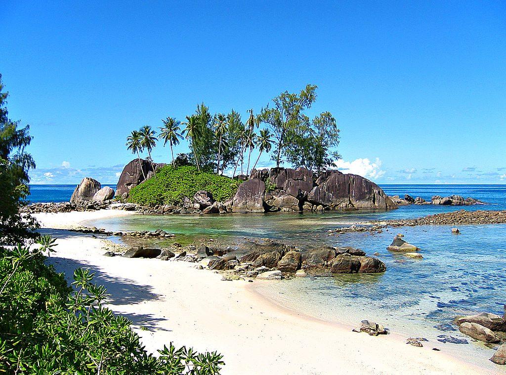 1024px-Seychelles_-_Anse_l'Islette