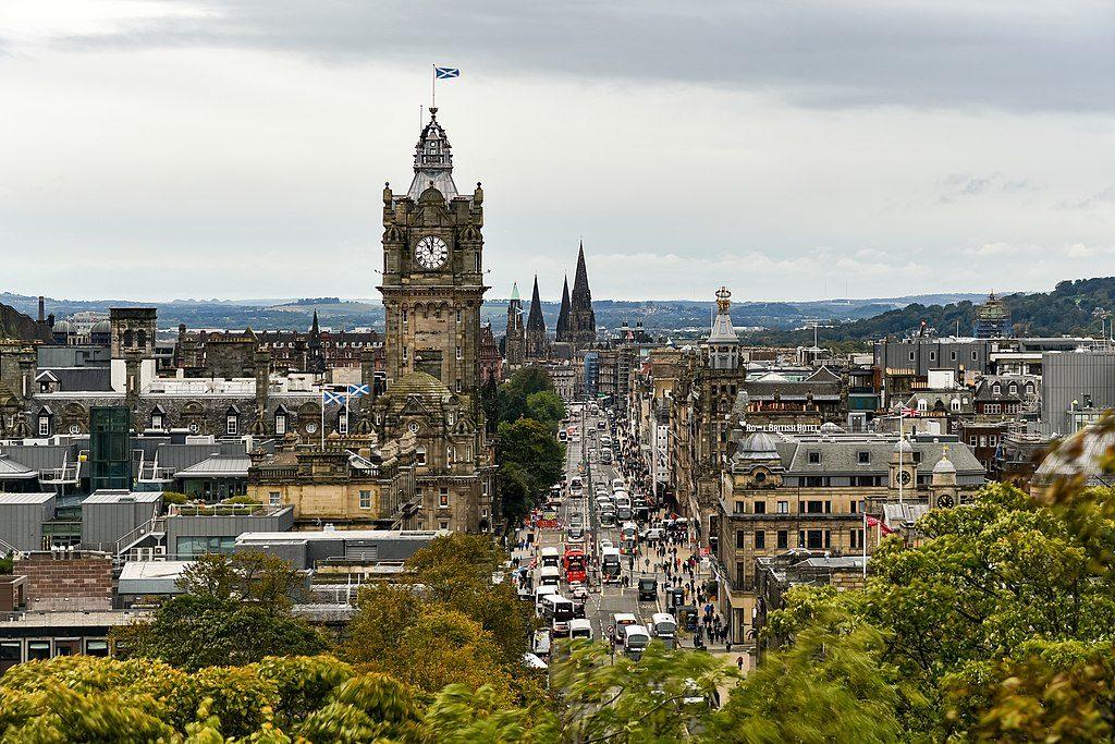 1024px-Vista_de_Edimburgo