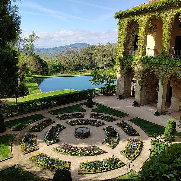 600px-Jardín_del_monasterio_de_Yuste,_Cuacos_de_Yuste,_Cáceres