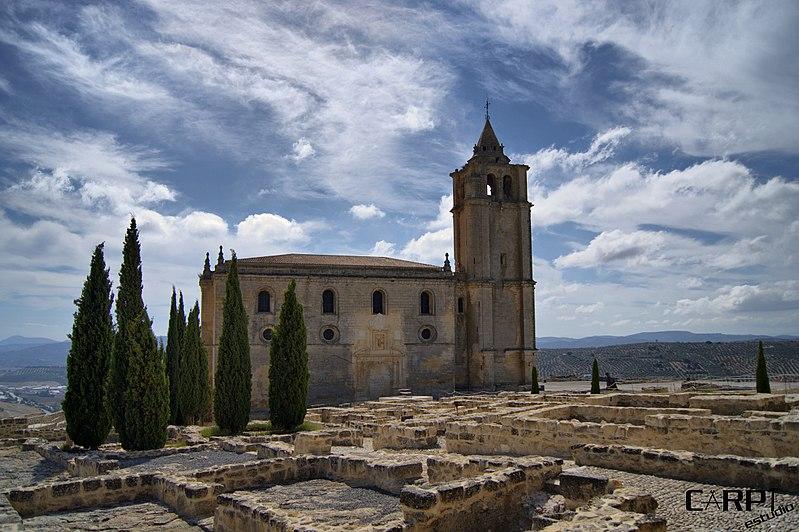 800px-Iglesia_Fortaleza_de_la_Mota