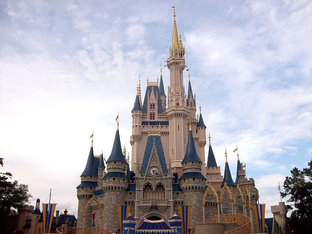 Cinderella_Castle_@_Magic_Kingdom