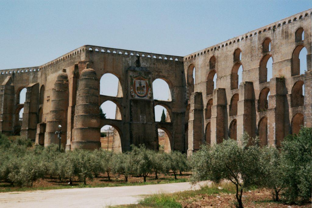Elvas_aqueduct