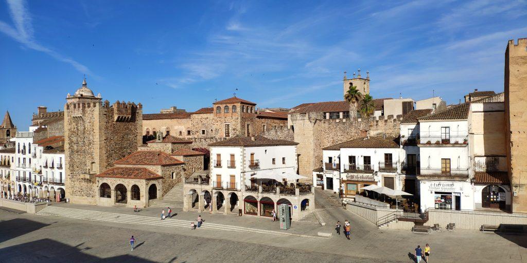 Parte_antigua_de_Cáceres,_Extremadura,_España