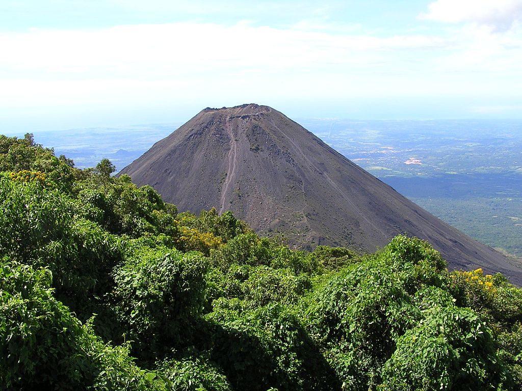 Volcan_Izalco,_Costa_Rica_-_panoramio