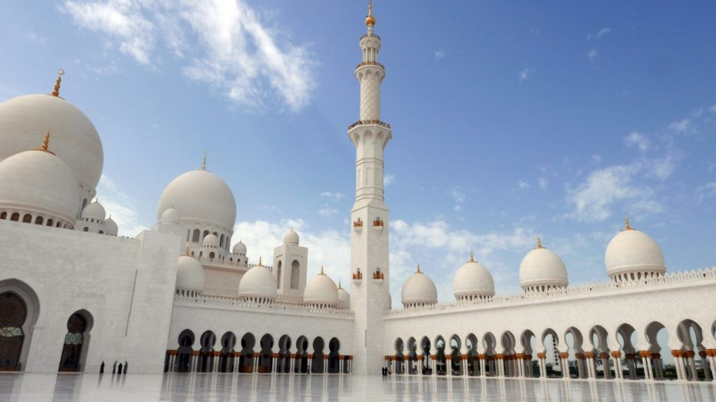 abu_dhabi_sheikh_zayed_mosque_islamic_architecture_sarokminaret-644196