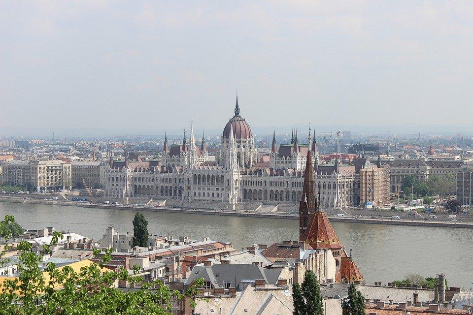 budapest-4606403_960_720