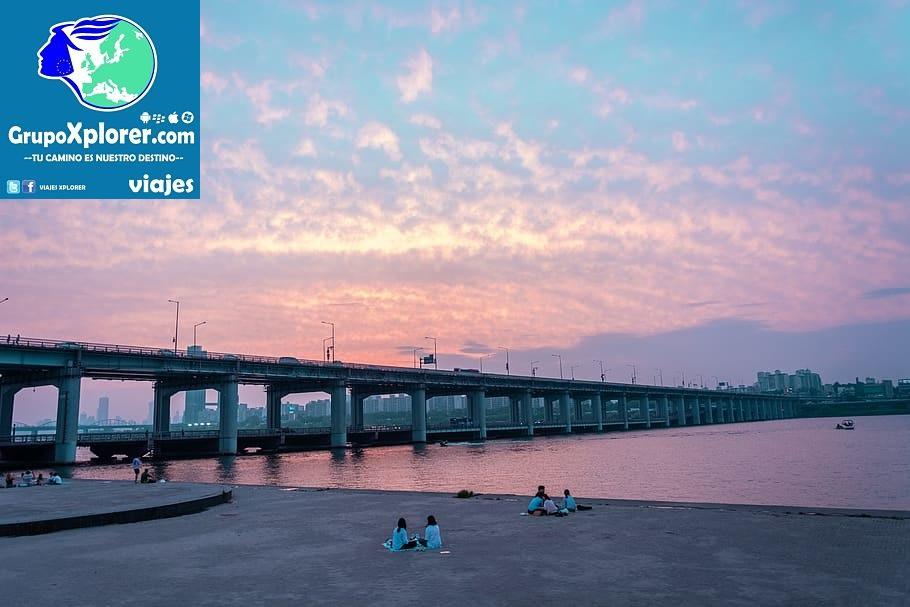 korea-south-korea-bridge-traditional