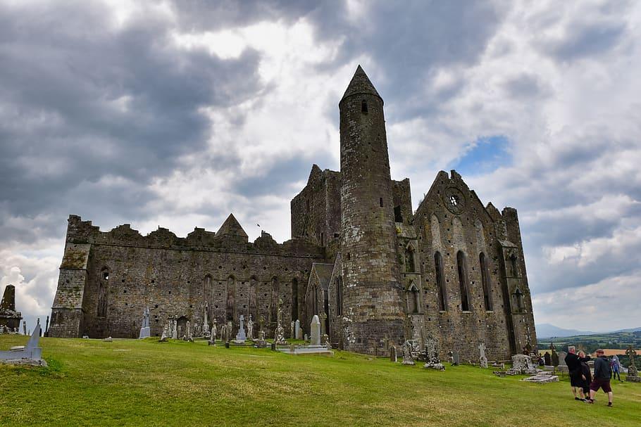 rock-of-cashel-ireland-tipperary-cathedral-catholic-christian