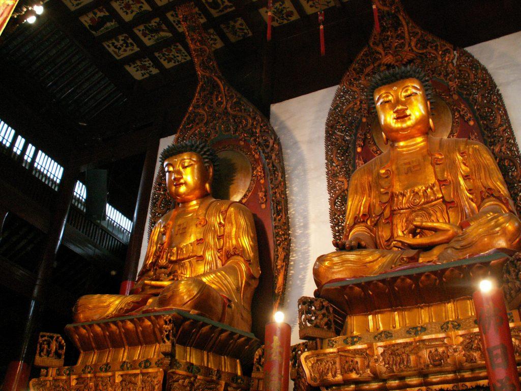 statues-at-jade-buddha-temple (1)