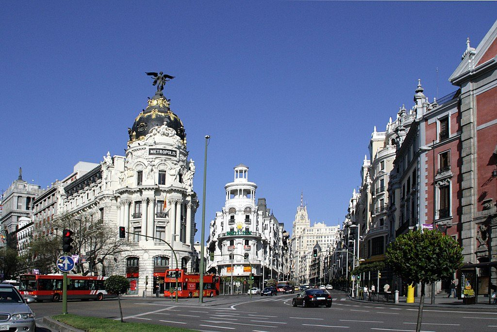 1024px-Calle_de_Alcalá_(Madrid)_16