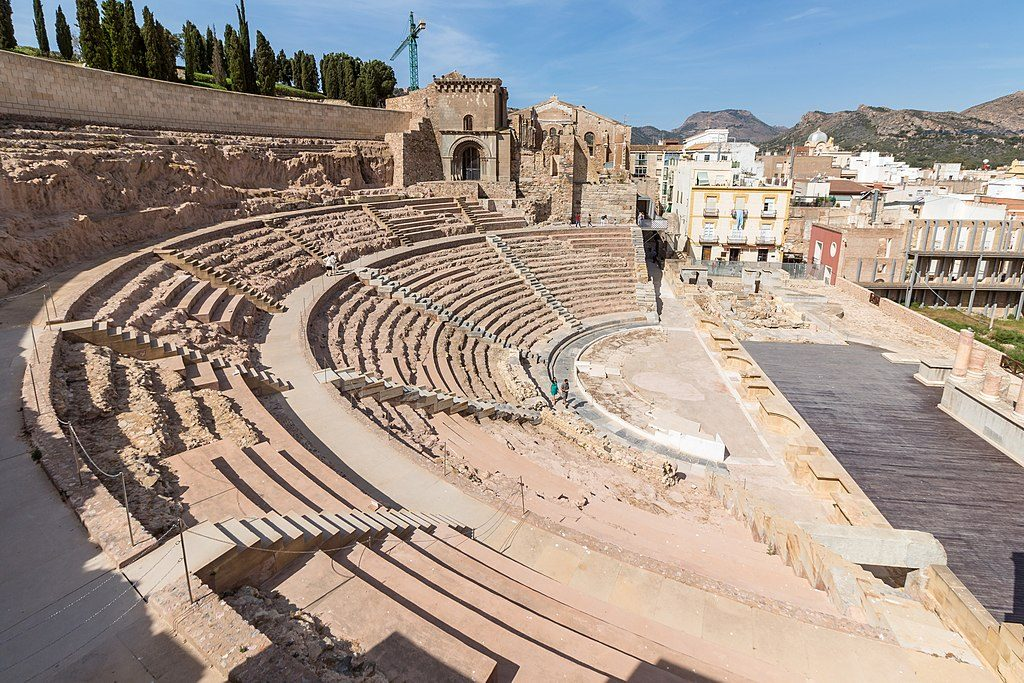 1024px-Cartagena_-_Teatro_Romano_03_2017-05-28