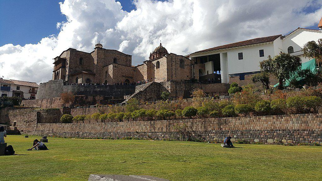 1024px-El_Templo_de_Coricancha_(o_Koricancha)
