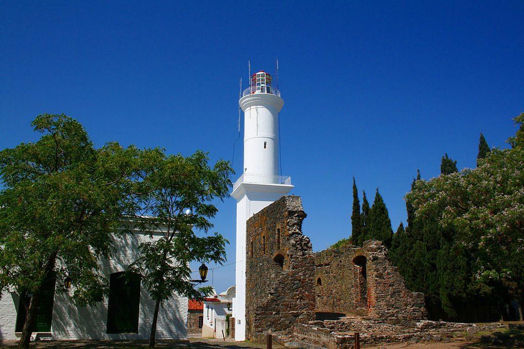 1024px-Faro_de_Colonia_del_Sacramento,_Uruguay2