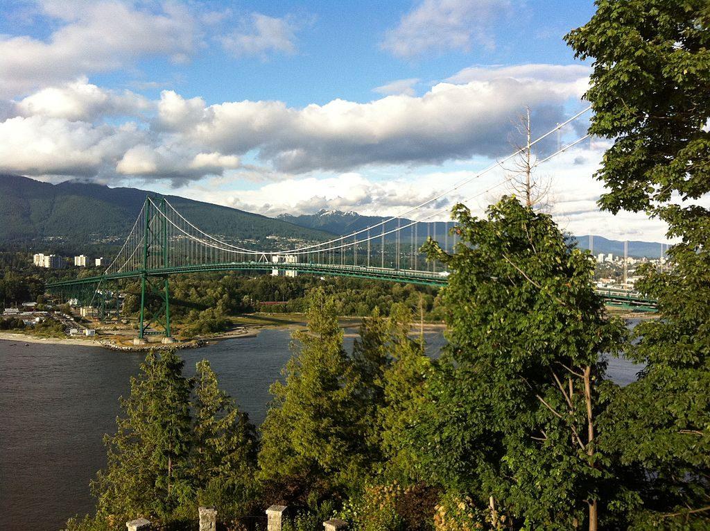 1024px-Lions_Gate_Bridge_from_Prospect_Point,_Stanley_Park,_Vancouver_BC