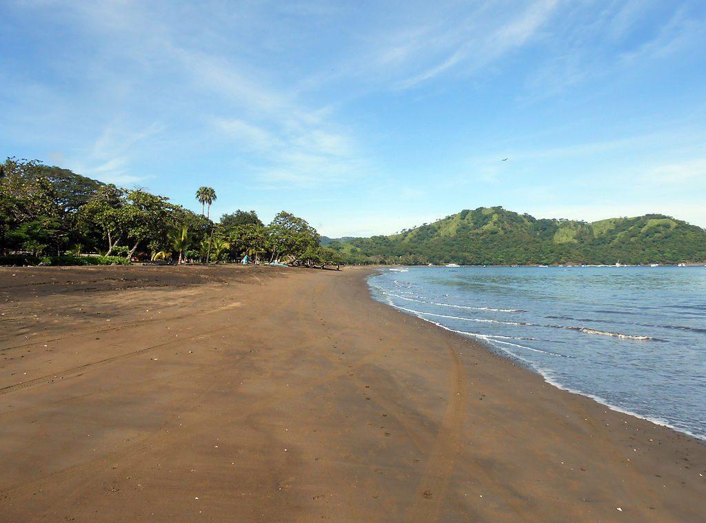 1024px-Playa_del_Coco_Guanacaste