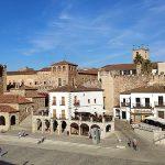 800px-Parte_antigua_de_Cáceres,_Extremadura,_España