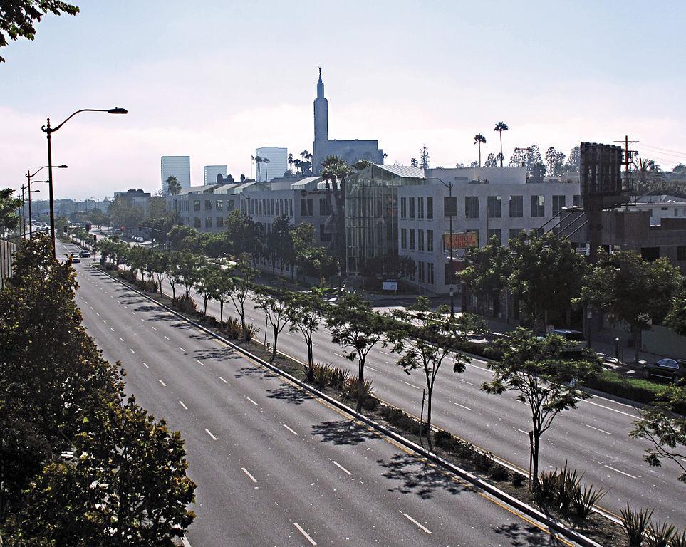 963px-Santa_Monica_Boulevard_looking_west