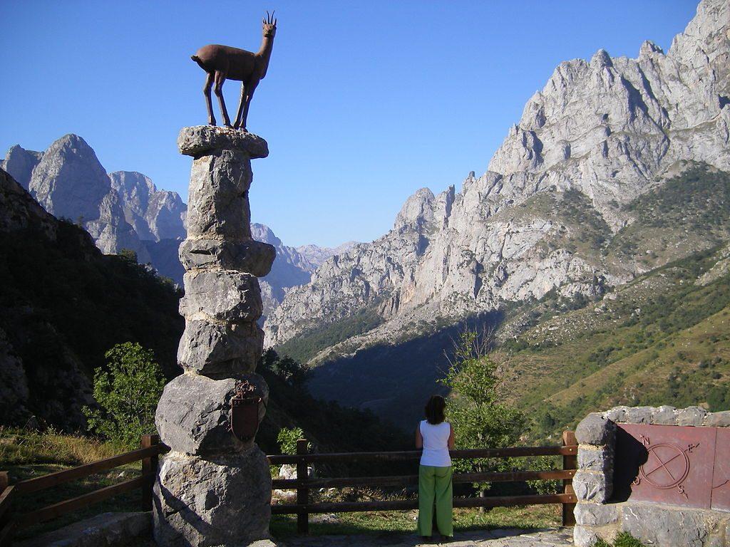 Mirador_del_Tombo_y_Senda_del_Cares._Posada_de_Valdeón_(León)._Parque_Nacional_Picos_de_Europa._ES000003._ROSUROB