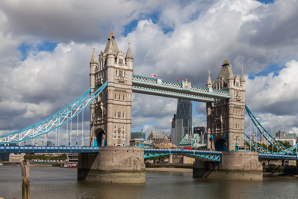 Puente_de_la_Torre,_Londres,_Inglaterra,_2014-08-11,_DD_089
