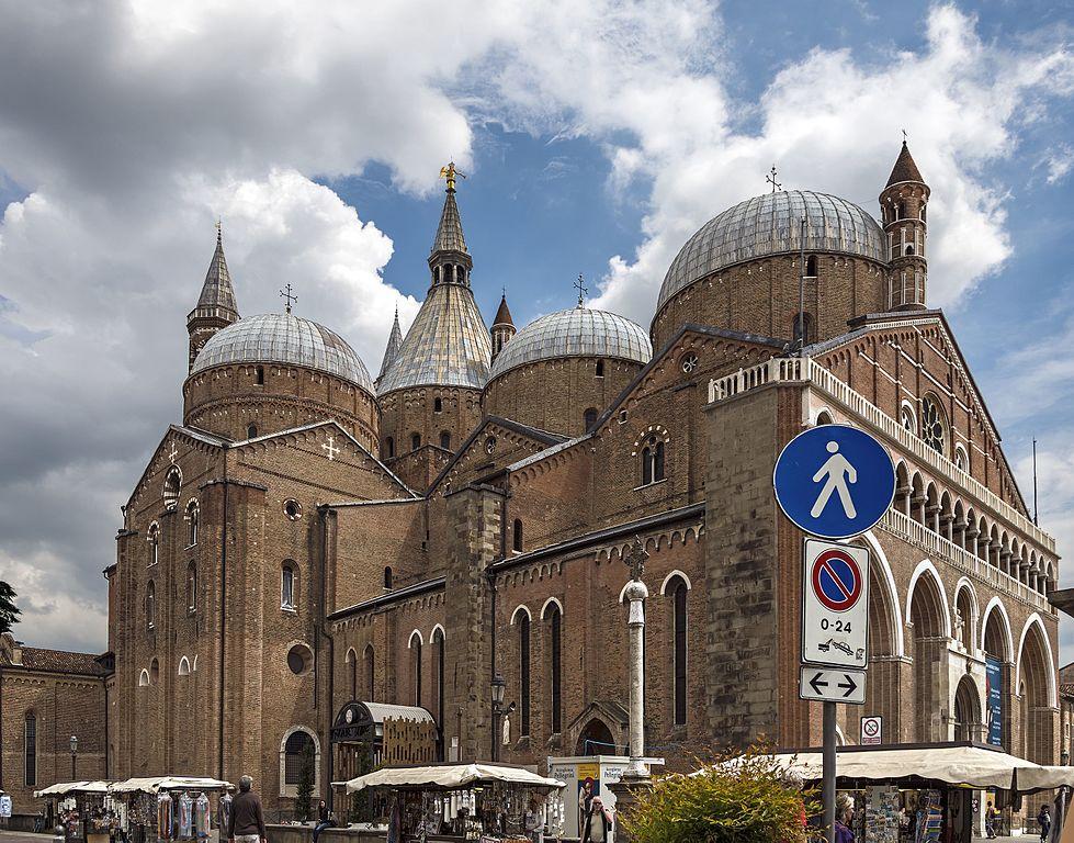 Sant'Antonio_(Padua)_-_North_facade