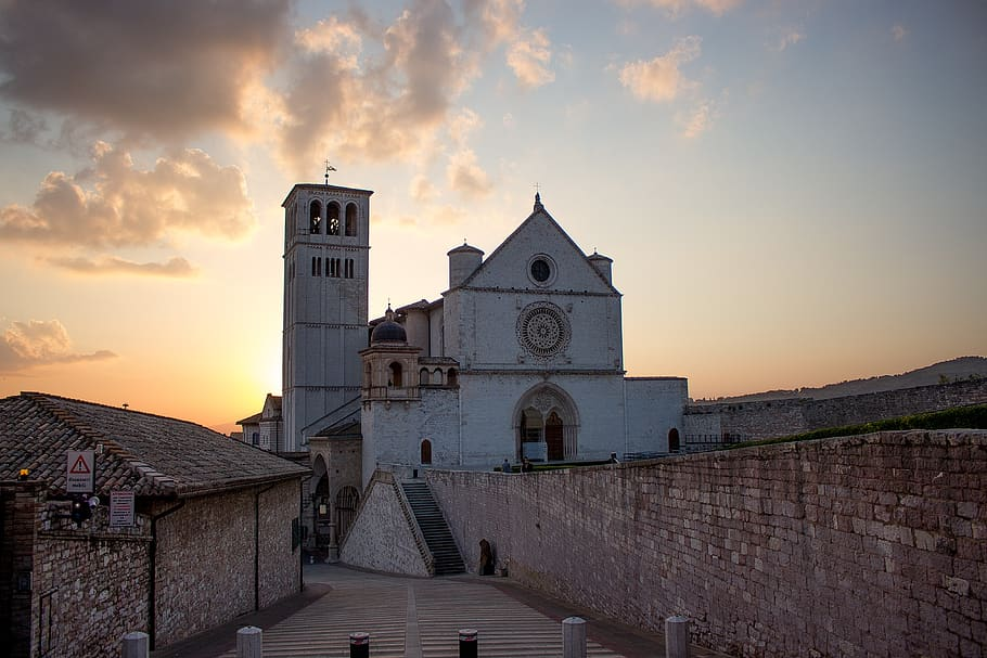 assisi-city-italy-historical