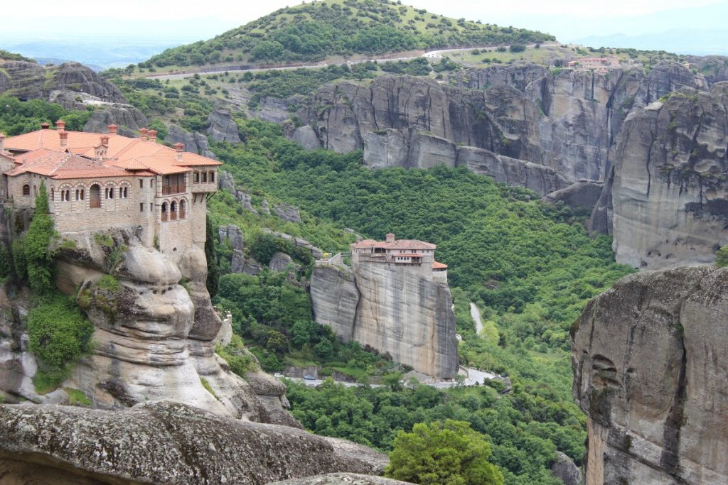 meteora_monastery_greece_landscape_religion_building_rocks_mountains-771026