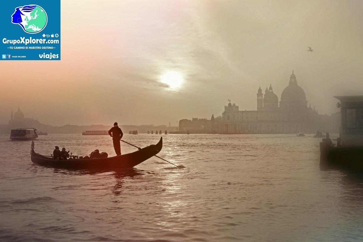 venice_italy_gondola_lagoon_romantic_wassertrasse_gondolier_architecture-843549