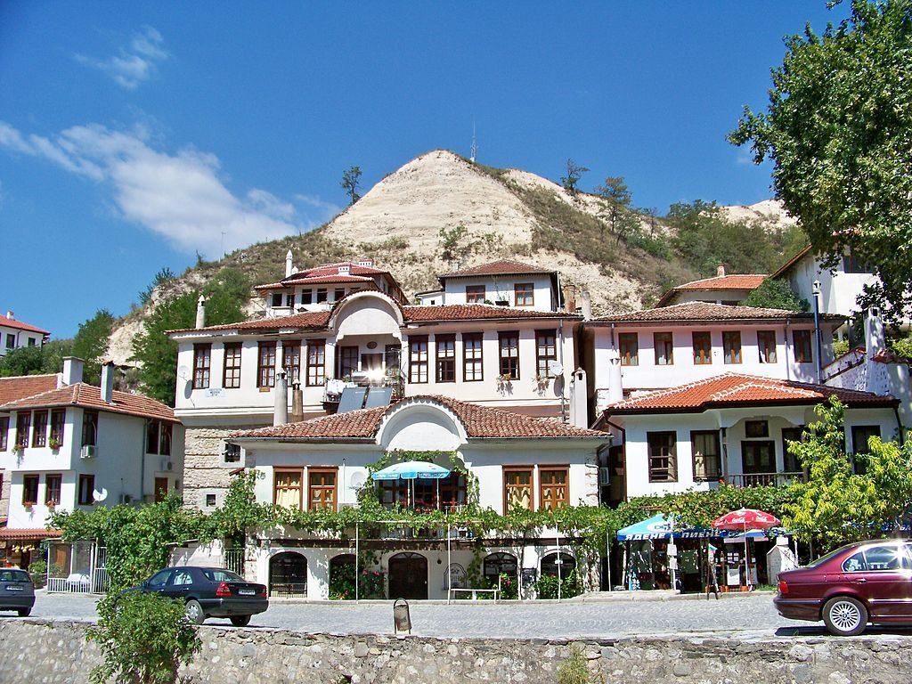 1024px-Bulgaria_Melnik-01