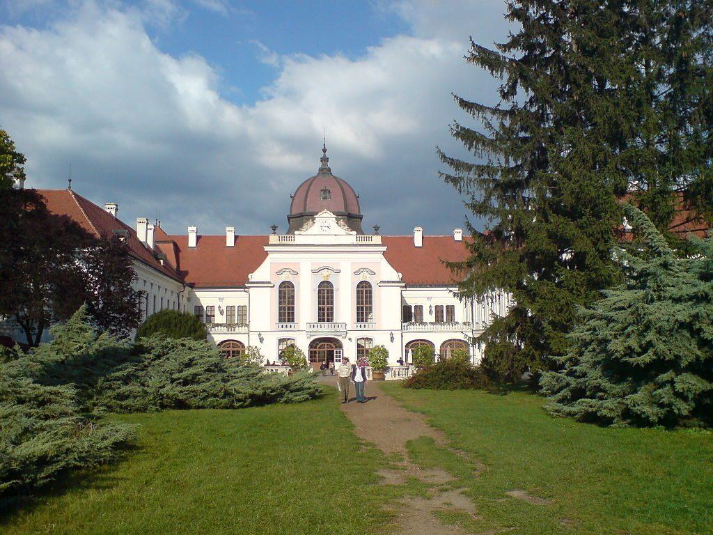 1024px-Gödöllö,_Schloss,_Westen