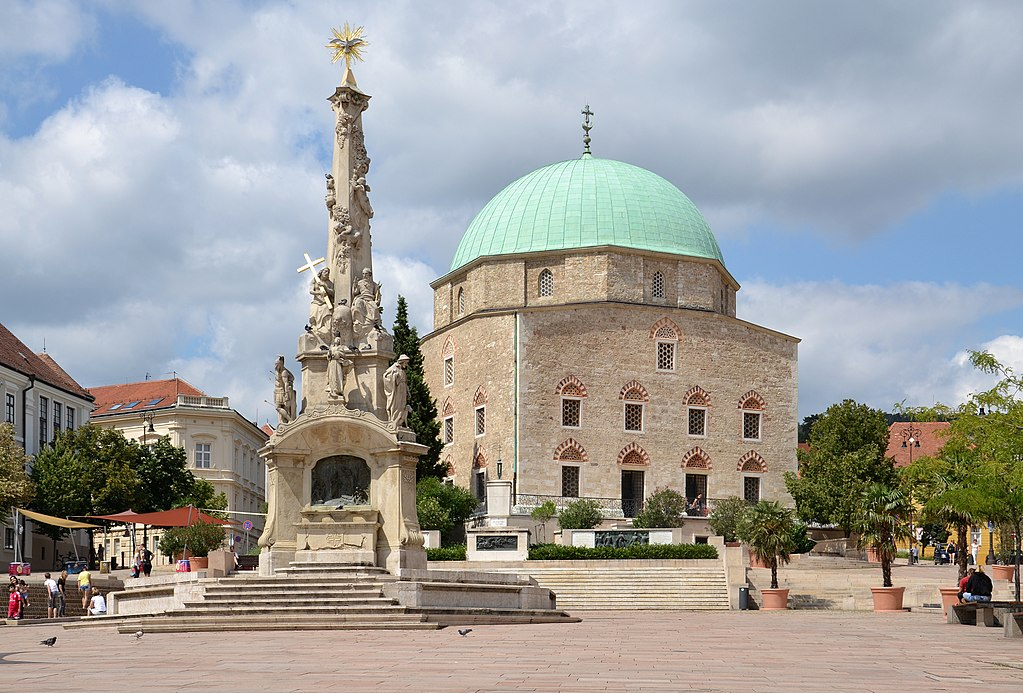 1024px-Mosque_Church_in_Pécs