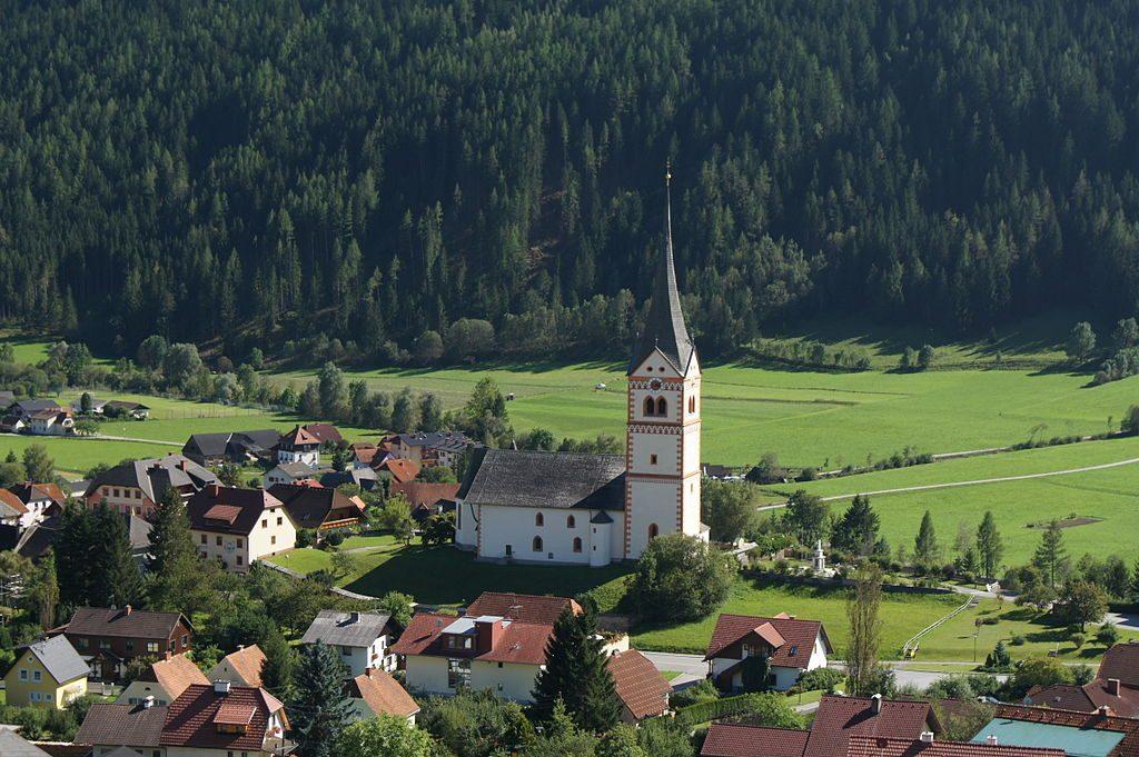 1024px-Pfarrkirche_St._Peter_am_Kammersberg_1