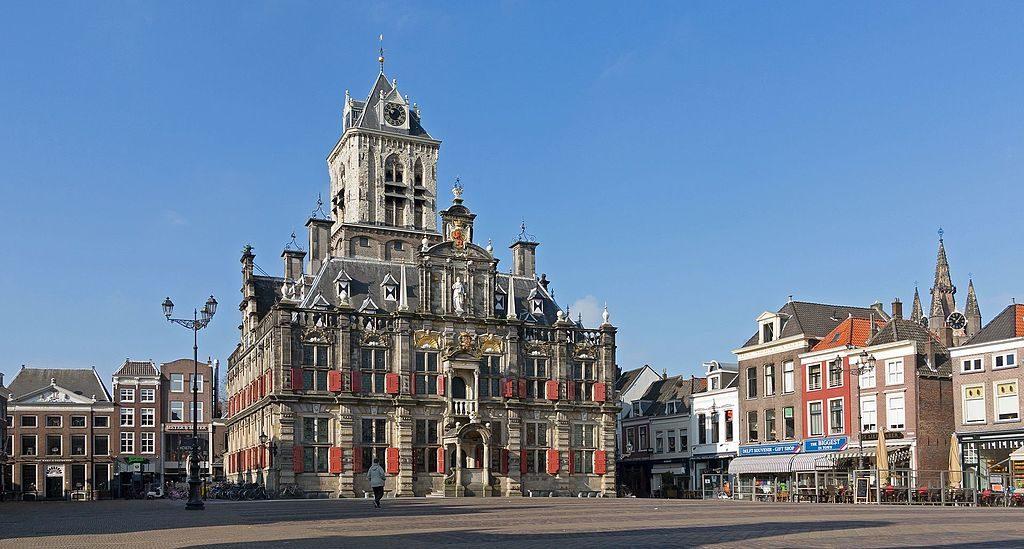 Delft,_het_stadhuis_op_de_Markt_RM11901_foto8_2016-03-13_10.01