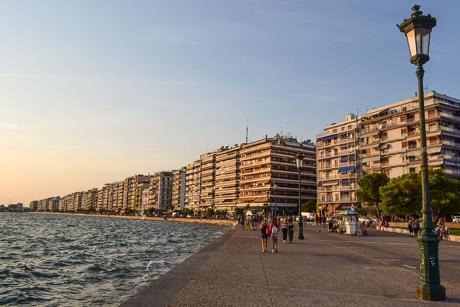 greece-thessaloniki-promenade-city