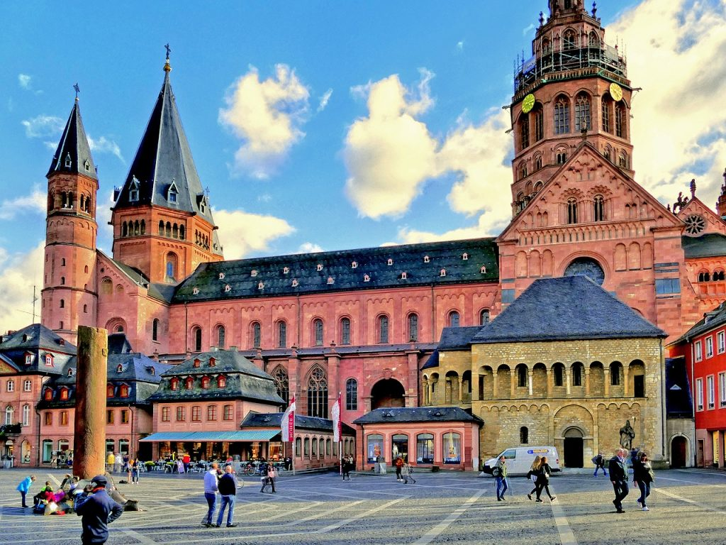 mainz-cathedral-1720867_1280