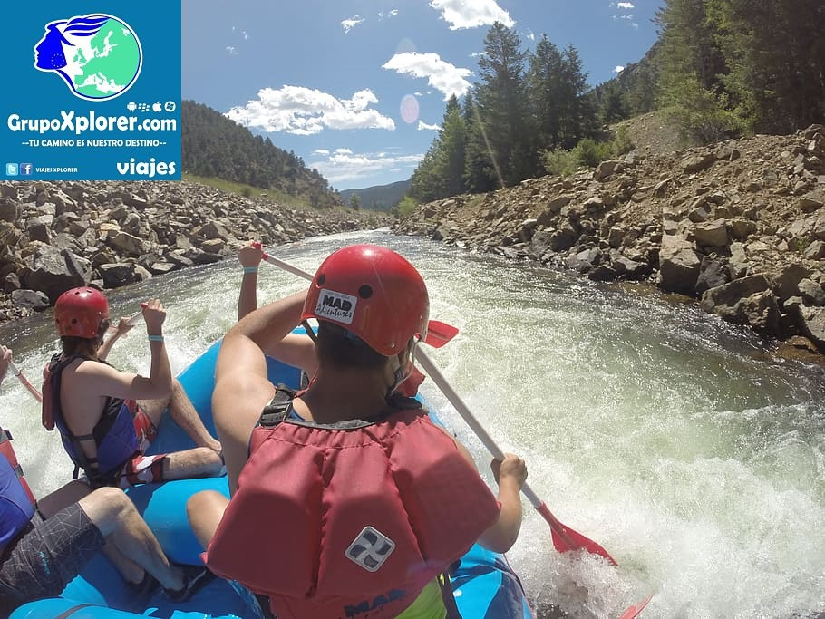 whitewater-rafting-river-water